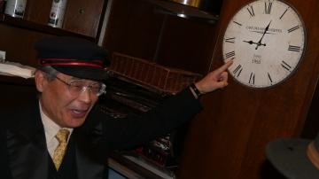 11. 09h03 Keizo Kobayashi fait opportunément remarquer que nous sommes déjà en retard ...