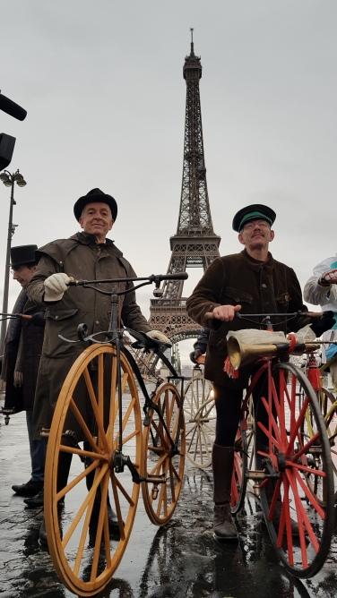 26. Hommage à la Dame de fer, quoi de plus noble que la ferraille pensent Guy Gaudy et Jean-Paul Tournereau