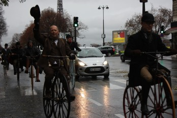 """28. Le """"cloudy weather"""" n'entame pas la bonne humeur de Stuart Mason-Elliott, précédé de peu par Amaury de La Bouillerie"""